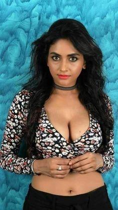 Cute Beauty, Beauty Full Girl, Beauty Women, Beautiful Women Over 40, Beautiful Girl Image, Beautiful Eyes, Indian Actress Hot Pics, Most Beautiful Indian Actress, Actress Photos