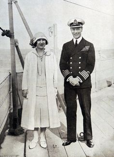 the Duke and Duchess of York (later T.M's King George VI and Queen Elizabeth/Queen Elizabeth, the Queen Mother. George Vi, Royal King, Royal Queen, Queen Mary, Die Queen, Royal Photography, Lady Elizabeth, Duchess Of York, Duchess Kate