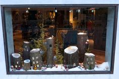 Downtown Wintertime Shop Windows Outdoor Christmas Decorations, Christmas Crafts, Diy Craft Projects, Fun Crafts, Trendy Home Decor, Beautiful Christmas Trees, Shop Windows, Winter Time, Decor Interior Design