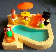 Fisher-Price Toy 2526 Little People Swimpool, awe i had this when i was young