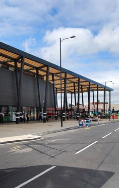 Image 3 of 8 from gallery of Wakefield Market Hall / Adjaye Associates. Courtesy of Adjaye Associates Retail Architecture, Commercial Architecture, Landscape Architecture, Architecture Design, Mall Design, Retail Design, Building Facade, Building Design, Market Hall
