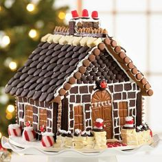 If you are looking beautiful and Amazing Christmas Gingerbread House for this Christmas so check out our latest 34 Amazing Christmas gingerbread houses Gingerbread House Designs, Gingerbread Village, Christmas Gingerbread House, Gingerbread Cookies, Christmas Cookies, Christmas Baking, Holiday Fun, Christmas Holidays, Holiday Quote