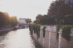 Beautiful, inspirational and creative images from Piccsy. Thousands of Piccs from all our streams, for you to browse, enjoy and share with a friend. Ile Saint Louis, St Louis, Parisian Style, Parisian Fashion, Eleonore Bridge, Wonderful Picture, Most Beautiful, France, Day
