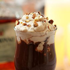 This Totally Decadent Hot Chocolate with Amaretto is the perfect winter beverage or dessert. Frappuccino, Frappe, Melting Chocolate, Hot Chocolate, Yummy Drinks, Yummy Food, Fun Drinks, Alcoholic Beverages, Amaretto Recipe