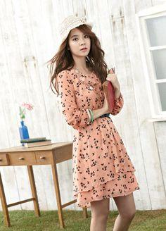 송지효, 꽃향기 풍기며 로맨틱 '봄의 여신'으로 귀환