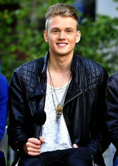   THE VAMPS TRISTAN ROCKS OUT ON DRUM SOLO VIDEO ! (WATCH!)   http://www.boybands.co.uk