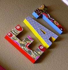 omfg, i should put these up in the morgle's room... his name? the alphabet?