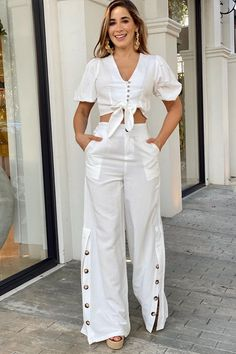 Trendy Outfits For Teens, 2 Piece Outfits, White Outfits, Blouse Styles, White Fashion, Types Of Fashion Styles, Ready To Wear, Fashion Design, Fashion Trends