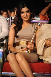 Samantha at Lux Sandal Cinemaa Awards 2011 - High Resolution Photos