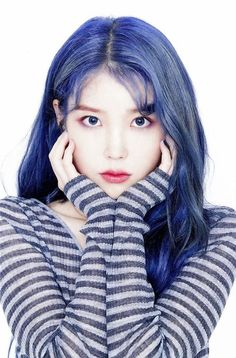 Blue hair seems to making its rounds around idol circles, and so, here's a list of idols who totally rocked the bright blue hair color! Bright Blue Hair, Hair Color Blue, New Hair Colors, Kpop Girl Groups, Kpop Girls, Kpop Hair Color, Iu Twitter, Iu Hair, Girl Artist