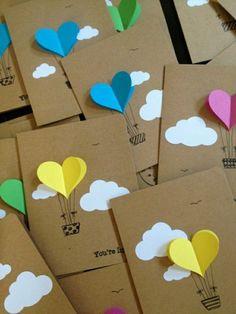 creer carte de voeux avec du papier coloré et carton, pliage de papier en forme de coeur
