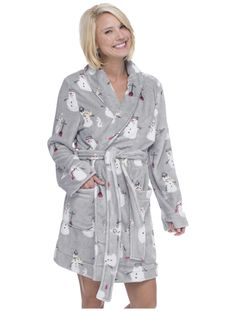 It may have snowmen on it, but this light grey robe is anything but cold! This soft robe has a plush hoodie. Cozy Pajamas, Christmas Pajamas, Snowmen, Lounge Wear, Coral, Hoodies, Grey, Plush, Style