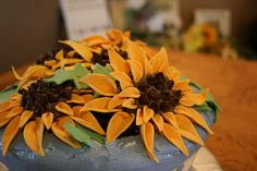 Sunflower Pot Cake Cupcake Cookies, Cupcakes, Flower Food, Sweet, Flowers, Plants, Candy, Cup Cakes, Flora