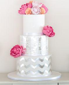 Follow us @SIGNATUREBRIDE on Twitter and on FACEBOOK @ SIGNATURE BRIDE MAGAZINE #GlitterCake