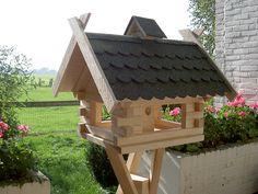 Voederhuisjes voor vogels kopen met voeder silo FSC naaldhout