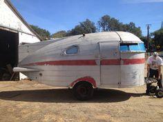 Vintage campers trailers for sale love ideas Small Camper Trailers, Small Trailer, Tiny Camper, Small Campers, Camper Caravan, Vintage Campers Trailers, Retro Campers, Vintage Caravans, Small Rv