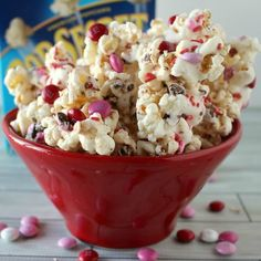 Sweet and salty – it is my favorite combination ever! One of my favorite treats is popcorn and m&m's – it is always what I get when I go to the movies. I have been known to pour my m&m's into my buttery popcorn! So when my sister-in-law, Jodie, introduced me to the deliciousness of White …