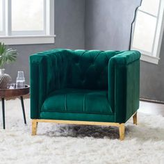 Make a statement with the Belham Living Everly Arm Chair - Green . This chair pairs contemporary design with traditional details for a balanced,. Sofa Design, Interior Design, Green Accent Chair, Accent Chairs, Master Bedroom Furniture Design, Green Armchair, Beautiful Houses Interior, Art Deco, Bedroom Styles
