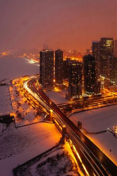 LSD-Lake Shore Drive over the Chicago River, gorgeous winter evening view (Chicago in Winter, Day Chicago River, Chicago City, Chicago Illinois, Chicago Lake, Chicago Usa, Chicago Skyline, Chicago Photography, Travel Photography, City Aesthetic