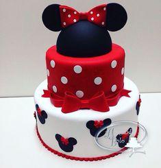 """""""Bolo em 2 andares + topo de orelhinhas da Minnie Vermelha. reservas através do e-mail alugandobolo@gmail.com #festadisney #bolocenografico #locacaobolo…"""" Mickey Mouse Torte, Mini Mouse Cake, Minnie Mouse Theme, Minnie Mouse Birthday Decorations, Minnie Mouse 1st Birthday, Disney Birthday, 2nd Birthday, Birthday Ideas, Bolo Mickey"""