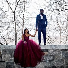 Stunning 🔥🔥🔥 Photo Congratulations This is the premier haven that showcases and… Elegant Engagement Photos, Engagement Photo Outfits, Engagement Couple, Engagement Pictures, Engagement Shoots, Engagement Ideas, Pre Wedding Photoshoot, Wedding Poses, Wedding Shoot