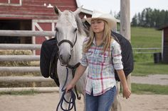 Amber Marshall in Heartland Heartland Amy, Heartland Seasons, Ty And Amy, Amber Marshall, Horse Care, Role Models, Cowboy Hats, Horses, Trains