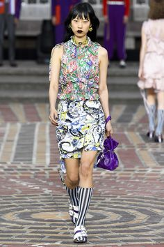 http://www.vogue.com/fashion-shows/spring-2018-ready-to-wear/kenzo/slideshow/collection