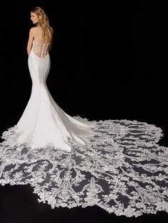 Porter 2021 Enzoani | Enzoani Wedding Dress Train, Elegant Wedding Dress, Wedding Gowns, Hollywood Red Carpet, Bridal Dresses, Corset, Tulle, Sequins, Glamour
