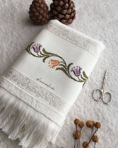 Fashion and Lifestyle Beaded Cross Stitch, Cross Stitch Borders, Bargello, Diy And Crafts, Coin Purse, Embroidery, Canvas, Pattern, Crossstitch