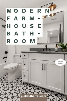 Modern farmhouse bathroom ideas to inspire your next makeover. Inspiration in classic black and white, neutrals, and unexpected accessories. Diy Home Decor Projects, Easy Home Decor, Home Decor Kitchen, Cheap Home Decor, Farmhouse Bathroom Accessories, Modern Farmhouse Bathroom, Farmhouse Decor, White Farmhouse, Kitchen Modern