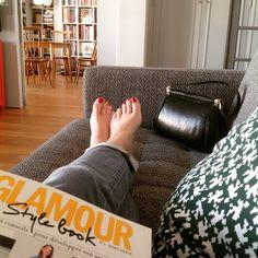 Doigts de pieds en éventail #cool #magazine #glamourparis #style #homesweethome #paris