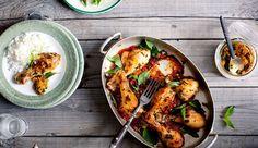 La sauce satay, originaire d'Indonésie, s'est répandue dans tout le Sud-Est asiatique avec la colonisation. C'est une sauce à base de cacahuètes et de gingembre qui relève et donne du moelleux au poulet.