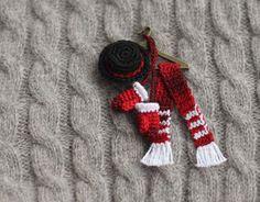 Christmas brooch crochet brooch pin Christmas by FancyKnittles