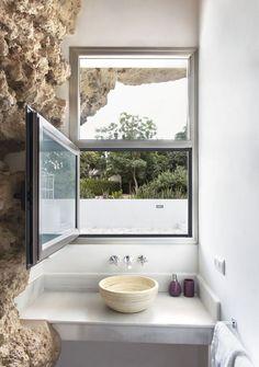 Casa na Espanha é feita dentro de montanha (Foto: David Vico)