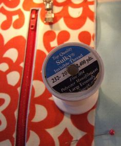 sew mama sew tutorial: how to make zipper pockets and slip pockets in bags.
