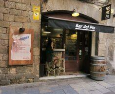 Bar del Pla – a fantastic little place in #Barcelona's Gothic Quarter http://mikestravelguide.com/great-tapas-places-in-barcelona/ #food #travel #spain #tapa Visit Barcelona Bar Del Pla