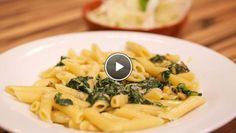 t circa 2 minuten uitlekken en hak de spinazie fijn. Pel en hak de knoflook grof. Verhit olijfolie in de pan. Fruit de knoflook circa 2 minuten. Voeg de...