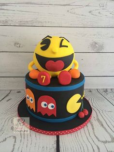 Pac-Man Cake by Oven Couture https://www.facebook.com/Oven-Couture-Smallish-Confection-Perfection-239221606110260/