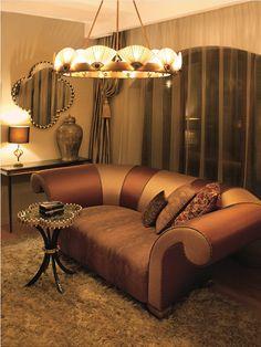 WEDIGO sofa, SPECTRUM chandelier, HAPPY CLOVER table and mirror from MARI IANIQ great an incredible ambience for a space. #MARIIANIQ #WEDIGO #sofa #SPECTRUM #chandelier #HAPPYCLOVER #table #mirror #Luxury #luxuryliving #bespoke #interiors #design #decor #Artdeco #Wedigovonmalchev Table Mirror, Classical Art, Luxury Living, Luxury Interior, Spectrum, Bespoke, Art Deco, Chandelier, Sofa