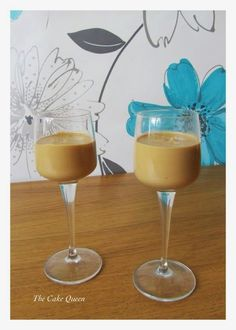 Baileys casero Cocktail Drinks, Fun Drinks, Alcoholic Drinks, Cocktails, Beverages, Smoothie Drinks, Smoothies, Bien Tasty, Baileys Recipes