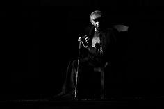https://flic.kr/p/dRakyq | Elogio de la sombra / Praise of the shade | Jorge Luis Borges: Elogio de la sombra  La vejez (tal es el nombre que los otros le dan) puede ser el tiempo de nuestra dicha. El animal ha muerto o casi ha muerto. Quedan el hombre y su alma. Vivo entre formas luminosas y vagas que no son aún la tiniebla.  Jorge Luis Borges: Praise of the shade   The oldness (such it is the name that others give him)  can be the time of our happiness.  The animal has died or almost he…