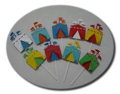 Modelo de Topper para cupcake em formato de tenda de circo.   São produzidos com…