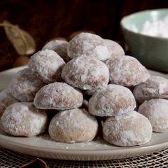 Italian cookie recipes pecans & italienische k Pecan Cookie Recipes, Almond Meal Cookies, Butter Pecan Cookies, Italian Cookie Recipes, Chocolate Cookie Recipes, Italian Cookies, Baking Recipes, Dessert Recipes, Walnut Cookies