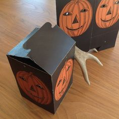 1910s mysterious black Halloween pumpkin boxes.
