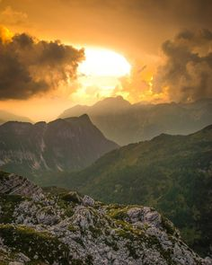 Sun setting over Triglav National Park Slovenia. triglav national park hiking | triglav national park photography | triglav national park slovenia hiking | triglav national park slovenia travel | slovenia aesthetic | slovenia photography | slovenia travel photography Japan Travel Photography, Sunset Photography, Slovenia Travel, Lake Bled, Sunset Photos, Stargazing, Vacation Trips, Travel Pictures, Travel Inspiration