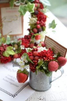 f:id:nora0924:20180417115313j:image Faux Flowers, Green Flowers, Small Flowers, Christmas Flower Decorations, Wedding Strawberries, Small Flower Arrangements, Strawberry Shortcake Party, Cottage Art, Deco Floral