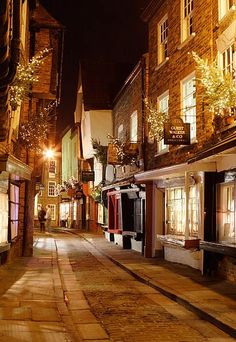 There are so many places in England, Scotland and Wales that I long to see.  The Shambles, York, England
