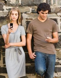Cann you connect with me now? How the presence of mobile communication technology influences face-to-face conversation quality.