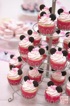Minnie Mouse Cupcakes For A 3rd Birthday Party - Dessert First