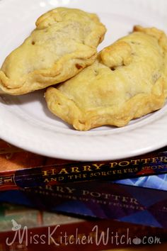 Harry Potter Sweet or Savory Vegan Pumpkin Pasties via http://MissKitchenWitch.com